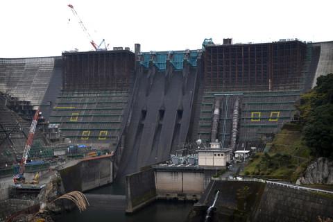 鶴田ダム01