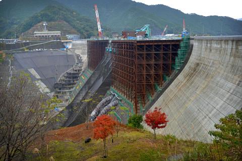 鶴田ダム02