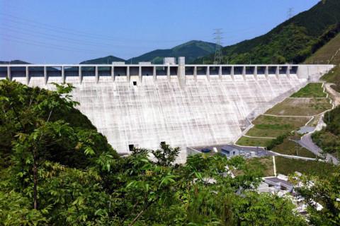 嘉瀬川ダム01