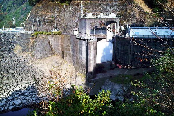 2011-11-27-油谷ダム-07