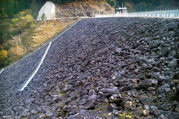 2011-11-27-油谷ダム-01