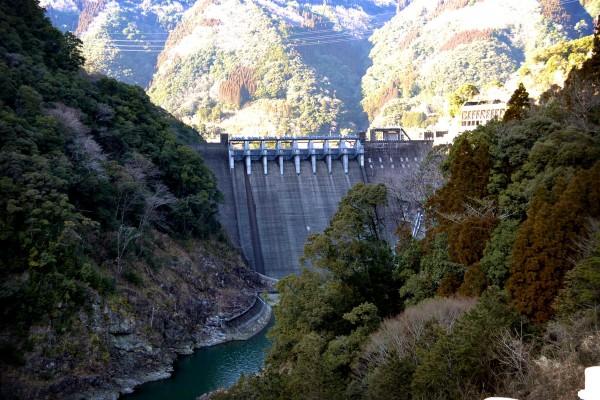 2013-01-20-塚原ダム01