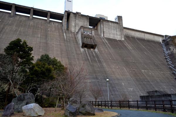 2013-01-28-竜門ダム02