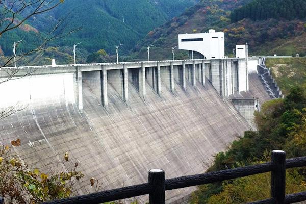 2011-12-04-竜門ダム-12
