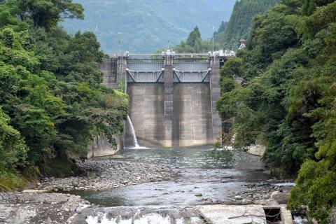 高瀬川ダム02